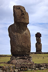 Easter Island: Ahus Tahai and Ko te Riku