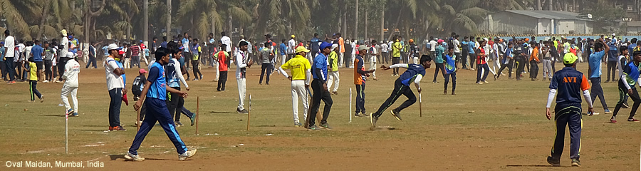 The Silk Route - World Travel: Cricket at Oval Maidan, Mumbai, India